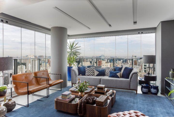 Cobertura duplex destaca décor contemporâneo e alterações arquitetônicas