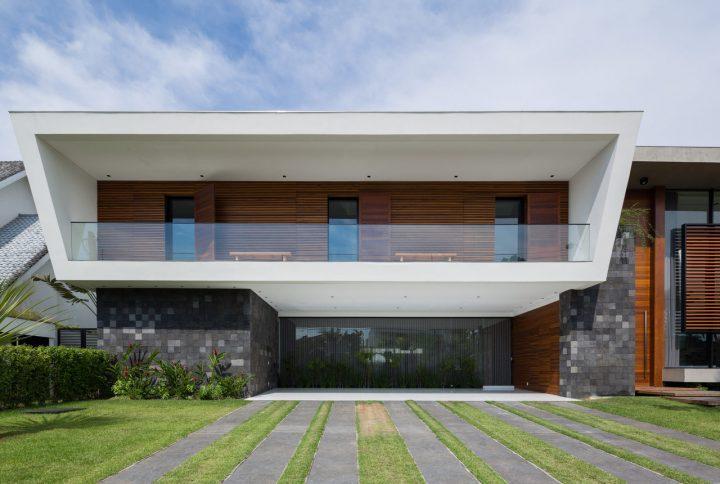 Vidro, concreto e madeira